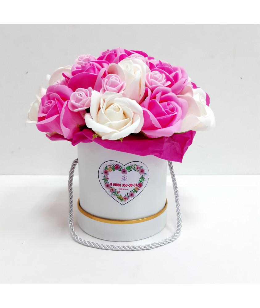 Розы в малом нежно-розовом цилиндре